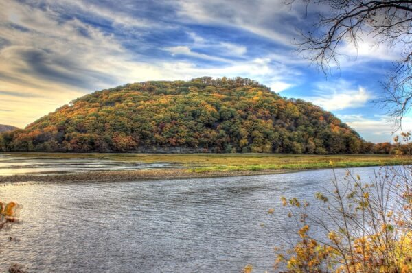 wisconsin-perrot-state-park-large-hill-across-the-river